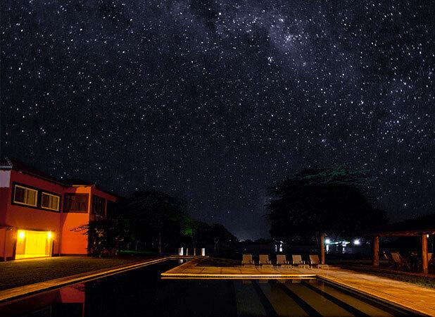 Céus estrelados em noites de clima ameno